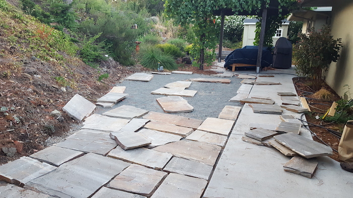 Weekend project diy flagstone patio the distilled man flagstone patio progress 3 solutioingenieria