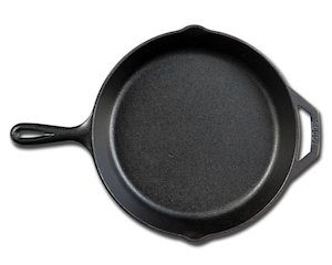 Lodge cast iron frying pan