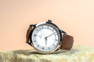 Daem watch with leather band